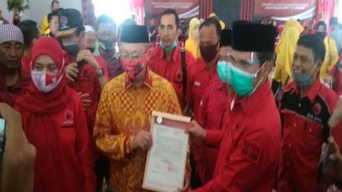 Pasangan Cek Endra dan Ratu Munawaroh resmi diusung PDIP di Pilkada Jambi