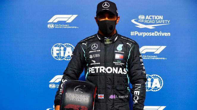 Pembalap Mercedes, Lewis Hamilton