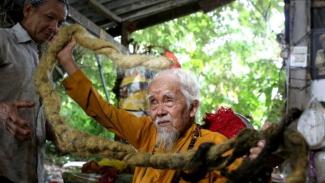 Rambut Tak Dipotong Selama 80 tahun, Kalau Dipotong Saya Meninggal