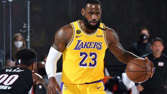 Pemain LA Lakers, LeBron James