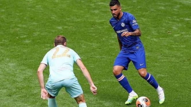 Bek kiri Chelsea, Emerson Palmieri.