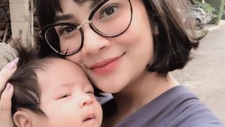 Vanessa Angel dan anaknya