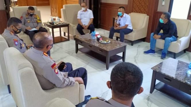 Pertemuan PT LIB dan klub Liga 1 asal Jawa Timur dengan Polda Jatim.