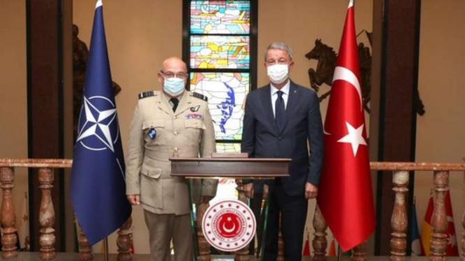 VIVA Militer: Jenderal Hulusi Akar dan Komandan NATO, Jenderal Stuart Peach