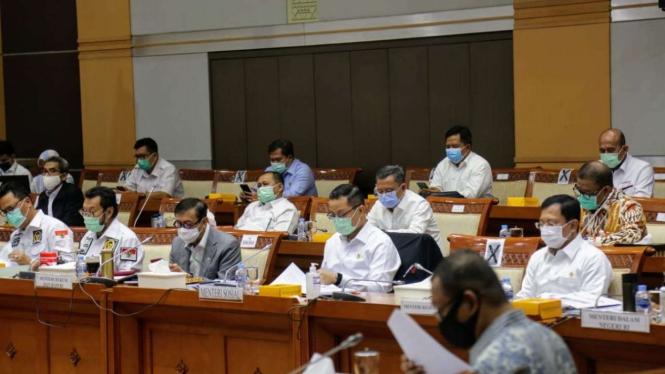Rapat Kerja Gabungan yang digelar bersama Komisi VIII, Senin (7/9).