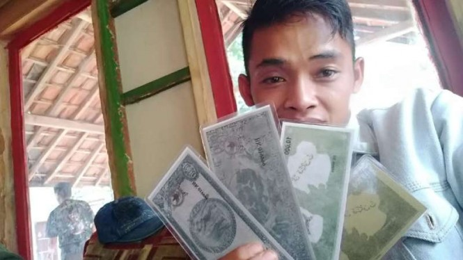 Paguyuban Tunggal Rahayu Garut bikin uang sendiri