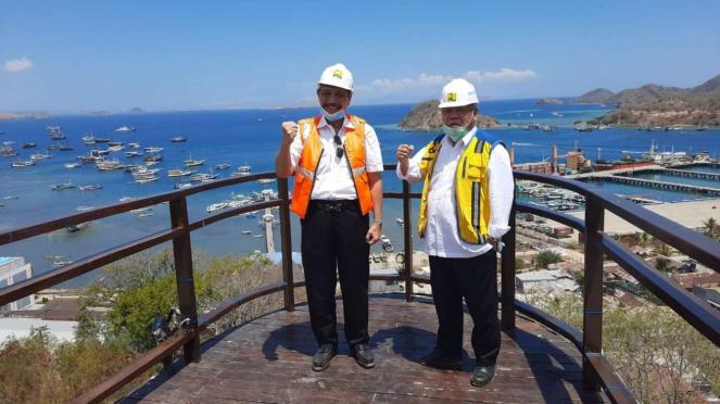 Menko Luhut dan Menteri PUPR di Puncak Waringin, Labuan Bajo.