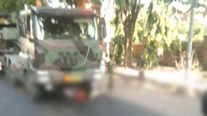 VIVA Militer: Kecelakaan di Probolinggo, wanita tewas telindas truk TNI