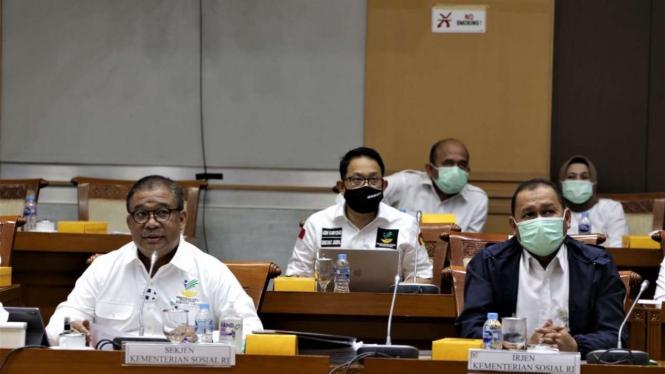 Rapat dengar pendapat (RDP) Kemensos bersama DPR.