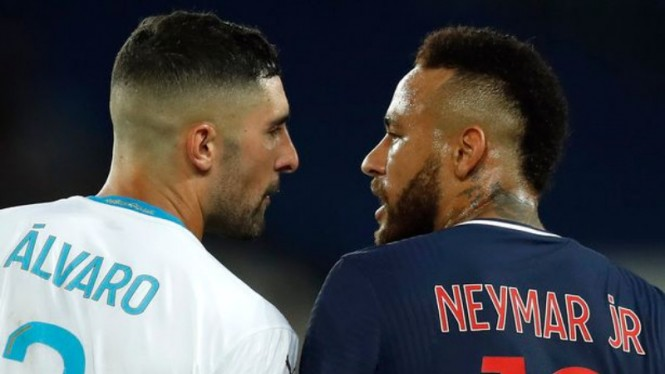 Ribut bintang PSG, Neymar, dengan bek Olympique Marseille, Alvaro Gonzalez