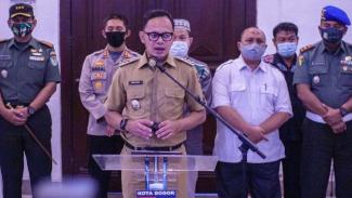 Wali Kota Bima Arya mengumumkan perpanjangan PSBMK itu di Balai Kota Bogor, Senin, 14 September 2020.