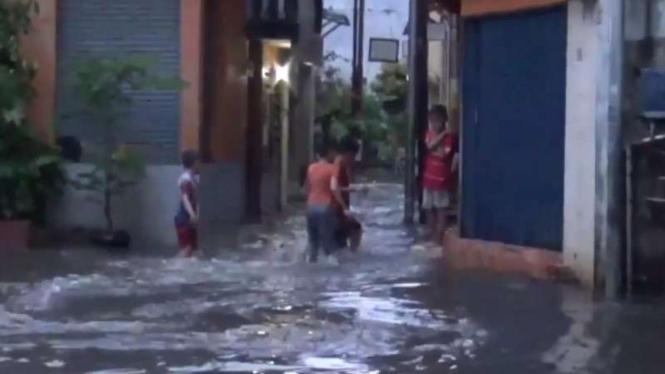 Banjir kampung deret Petogogan