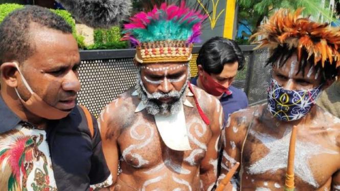Warga Papua solidaritas kembalikan beasiswa yang pernah diterima Veronica Koman