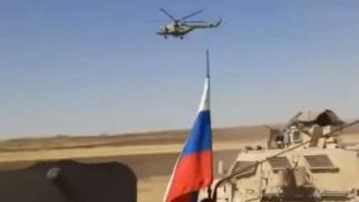 VIVA Militer: Helikopter Apache militer AS sergap konvoi militer Rusia