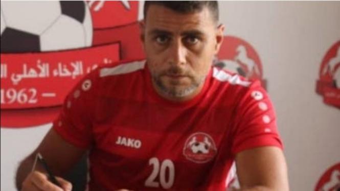 Pesepakbola Lebanon, Mohamed Atwi, meninggal dunia akibat peluru nyasar.
