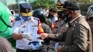Sehari Dua Orang Meninggal, Depok Geber Pembagian Masker