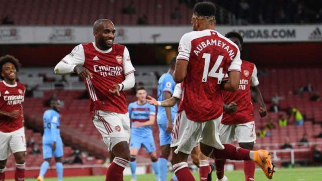 Pemain Arsenal, Alexandre Lacazette dan Pierre-Emerick Aubameyang.