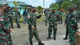 VIVA Militer: Danrem Merauke Lepas 30 Prajurit Yonif 756/WMS