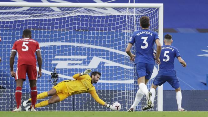 Gelandang Chelsea, Jorginho gagal mengeksekusi penalti
