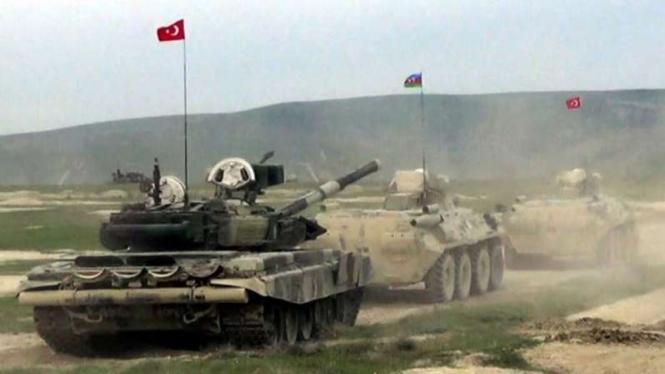 VIVA Militer: Tank militer Turki dan kendaraan lapis baja militer Azerbaijan