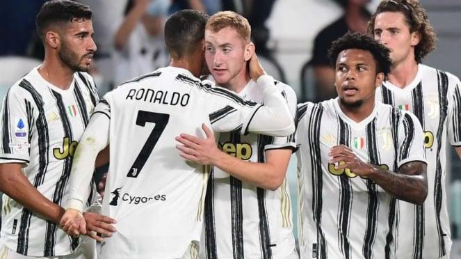 Pemain Juventus merayakan gol ke gawang Sampdoria