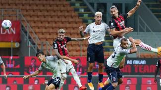 Striker AC Milan, Zlatan Ibrahimovic setak gol melalui sundulan