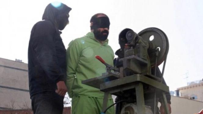 Ilustrasi terpidana di Iran menjalani eksekusi hukuman berat