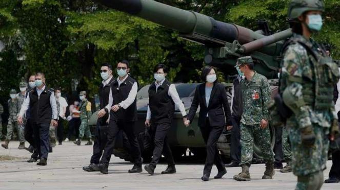 VIVA Militer: Kunjungan Presiden Taiwan, Tsai Ing-wen, ke pangkalan militer