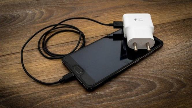 charger dan hp