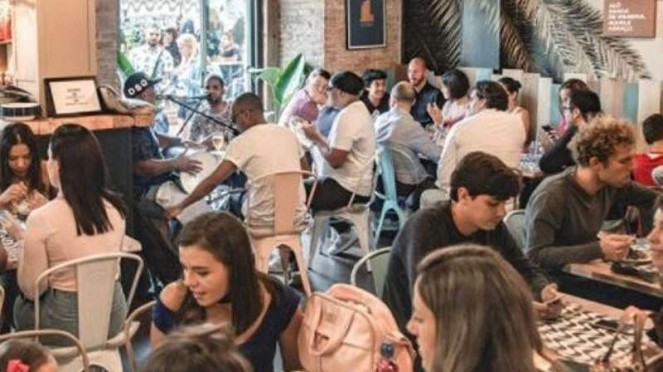 Suasana Restoran Milik Rafinha Alcántara