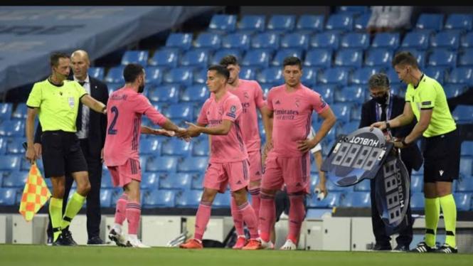 Ilustrasi pergantian pemain di Liga Champions.