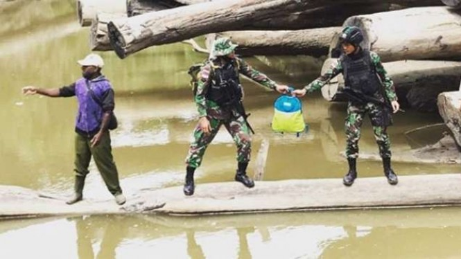 VIVA Militer: Satuan Tugas Yonif 312/Kala Hitam ke Molof.