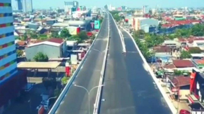 Jalan Tol Layang A.P Pettarani di Makassar, Sulawesi Selatan.