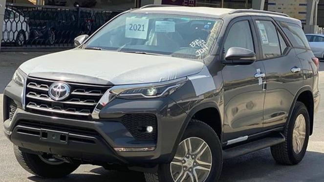 Toyota Fortuner baru yang dijual di Arab Saudi