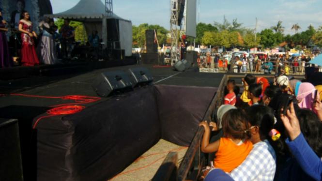 Konser dangdut di Tegal, Jawa Tengah