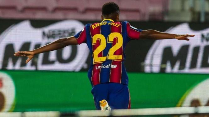 Penyerang muda Barcelona, Ansu Fati merayakan gol ke gawang Villarreal