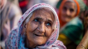 https://thumb.viva.co.id/media/frontend/thumbs3/2020/09/29/5f721e2f5094c-nenek-di-india-yang-menjadi-wajah-dalam-protes-damai-di-daerah-muslim-masuk-dalam-daftar-orang-berpengaruh-majalah-time-simbol-suara-orang-terpinggir_375_211.jpg