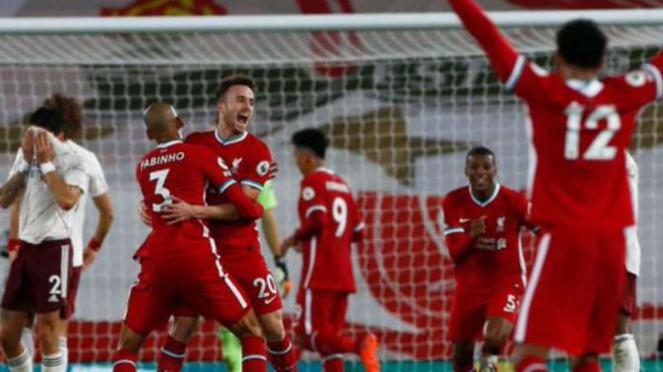 Pemain Liverpool rayakan kemenangan atas Arsenal.