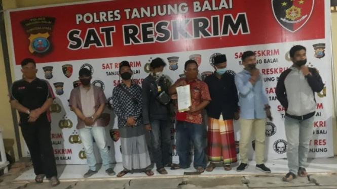 GP Ansor laporkan pemilik akun Facebook Oliver Leaman S ke Polres Tanjung Balai.