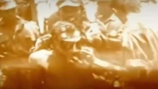 VIVA Militer: Proses evakuasi jenazah tujuh Pahlawan Revolusi di Lubang Buaya