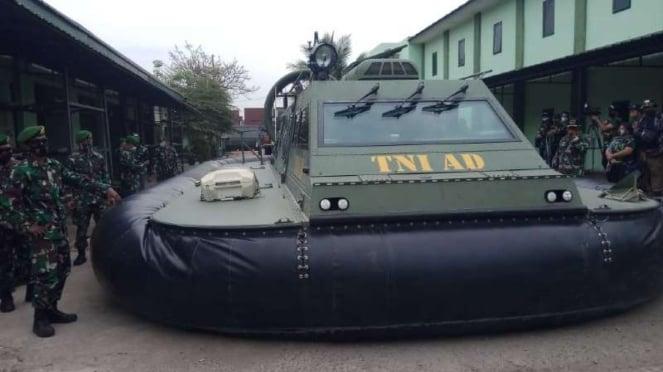 VIVA Militer : Hover Craft Satangair Alutsista TNI AD
