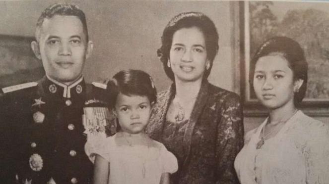 VIVA Militer: Foto Keluarga Jenderal Besar TNI Abdul Haris Nasution