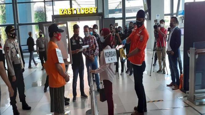 Rekonstruksi kasus pencabulan petugas rapid test di Bandara Soetta