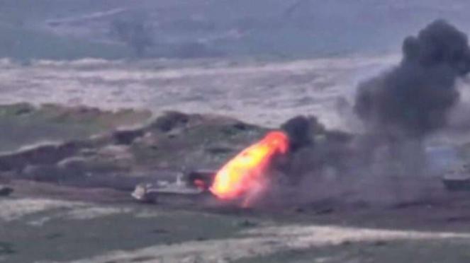 VIVA Militer: Kendaraan tempur militer Armenia hancur terkena rudal Azerbaijan