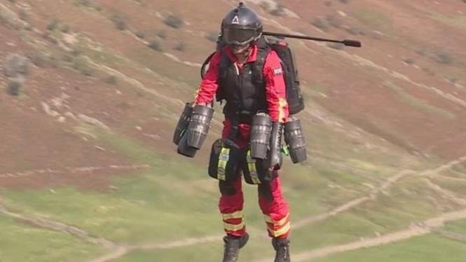 Uji coba jetpack untuk paramedis