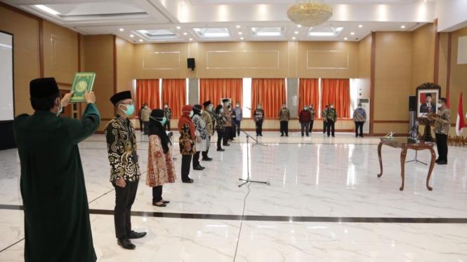 Mensos Juliari P. Batubara melantik pejabat Eselon II dan pejabat fungsional di lingkungan Kementerian Sosial (02/10/2020).