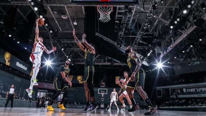 Pertandingan kedua Final NBA Miami Heat vs LA Lakers