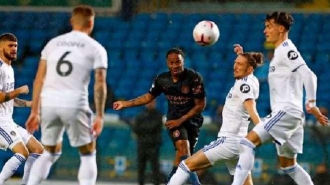 Winger Manchester City, Raheem Sterling cetak gol ke gawang Leeds United