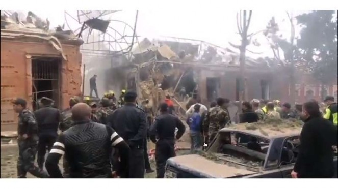 VIVA Militer : Roket Armenia sasar pemukiman warga sipil kota Ganja Azerbaijan