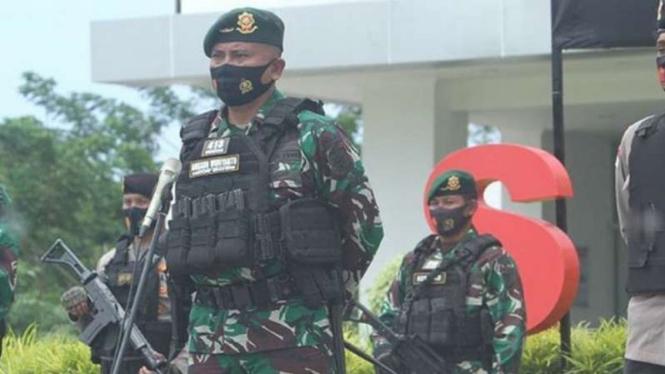 VIVA Militer: Dansatgas Yonif Mekanis Raider 413, Mayor  TNI Anggun Wuriyanto